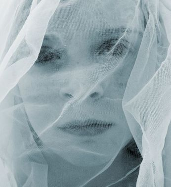 Picture of a veiled girl